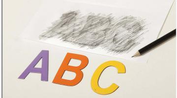 Przykład wykorzystania literek w nauce pisania.