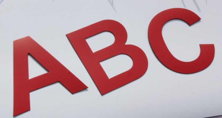 8cm wielki czerwone litery magnetyczne.