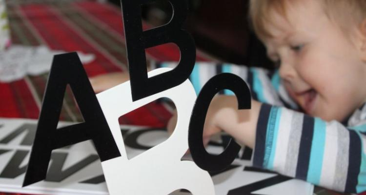 ruchomy alfabet magnetyczny