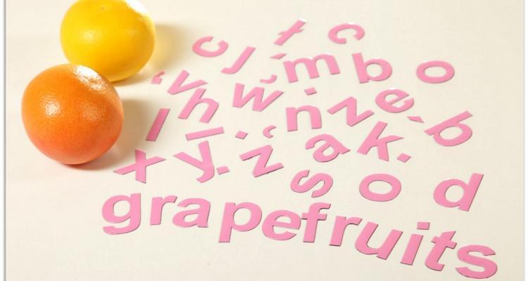 Magnesy na lodówkę MagWords mogą pomóc w nauce języków obcych.