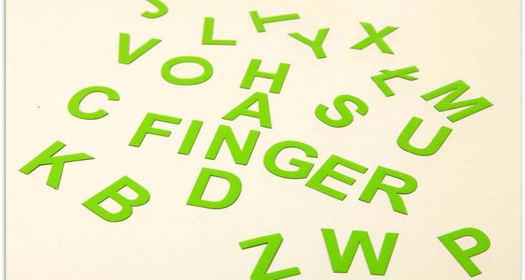 Literki magnetyczne można wykorzystać również w nauce języków obcych.