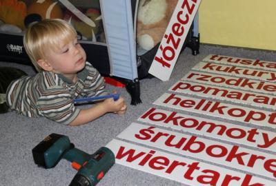 Nauka czytania metodą Domana.